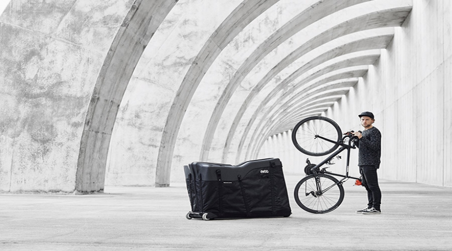 Predstavljamo EVOC ROAD BIKE BAG PRO